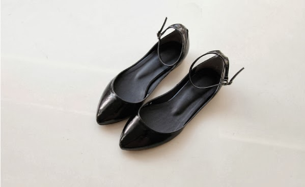 Black strapy flats