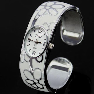 Trendy watches for girls