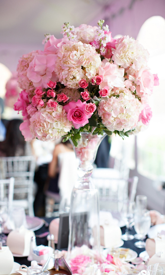 12 stunning wedding centerpieces part 19 belle the for Floral arrangements for wedding reception centerpieces