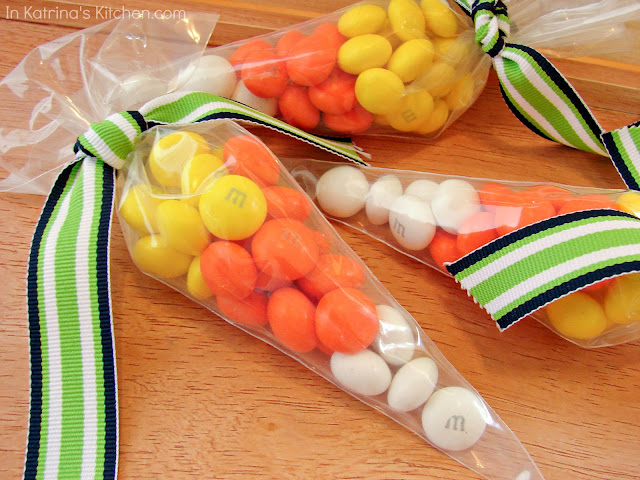 Easy Candy Corn Treat Bags @katrinaskitchen