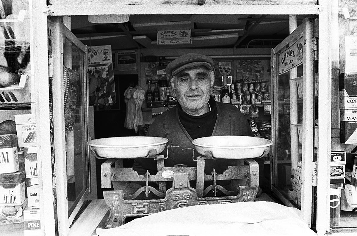 De donkere kamer van herman zonderland fotografie albani 1994 8 middenstand - Kamer van brood ...