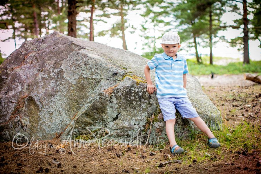 poiss-kivi-juures-laulasmaa