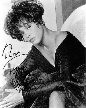 В возрасте 48 лет умерла Whitney Elizabeth Houston.