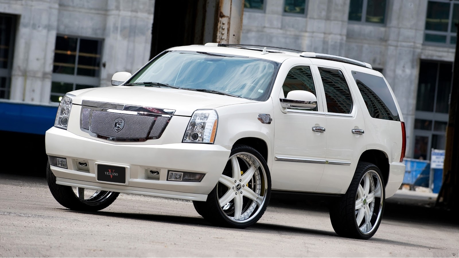 cadillac escalade 2013 cars model review and picture cars wallpapers hd. Black Bedroom Furniture Sets. Home Design Ideas