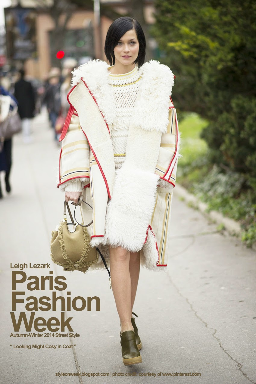Paris Fashion Week Autumn-Winter 2014 Street Style - Looking Might Cosy in Coat