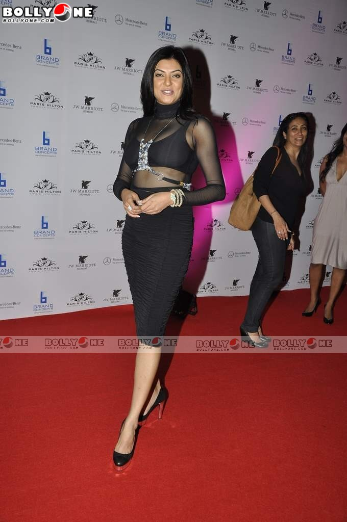 Sushmita Sen Sizzles at Paris Hilton Bash