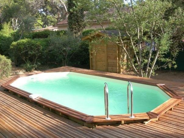 Boiserie c piscine 44 idee per ispirarsi - Giardino con piscina fuori terra ...