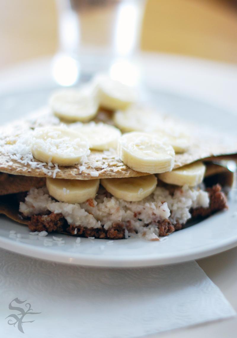 Vegan on the Go: Raw Recipe: Chocolate Banana Crepes
