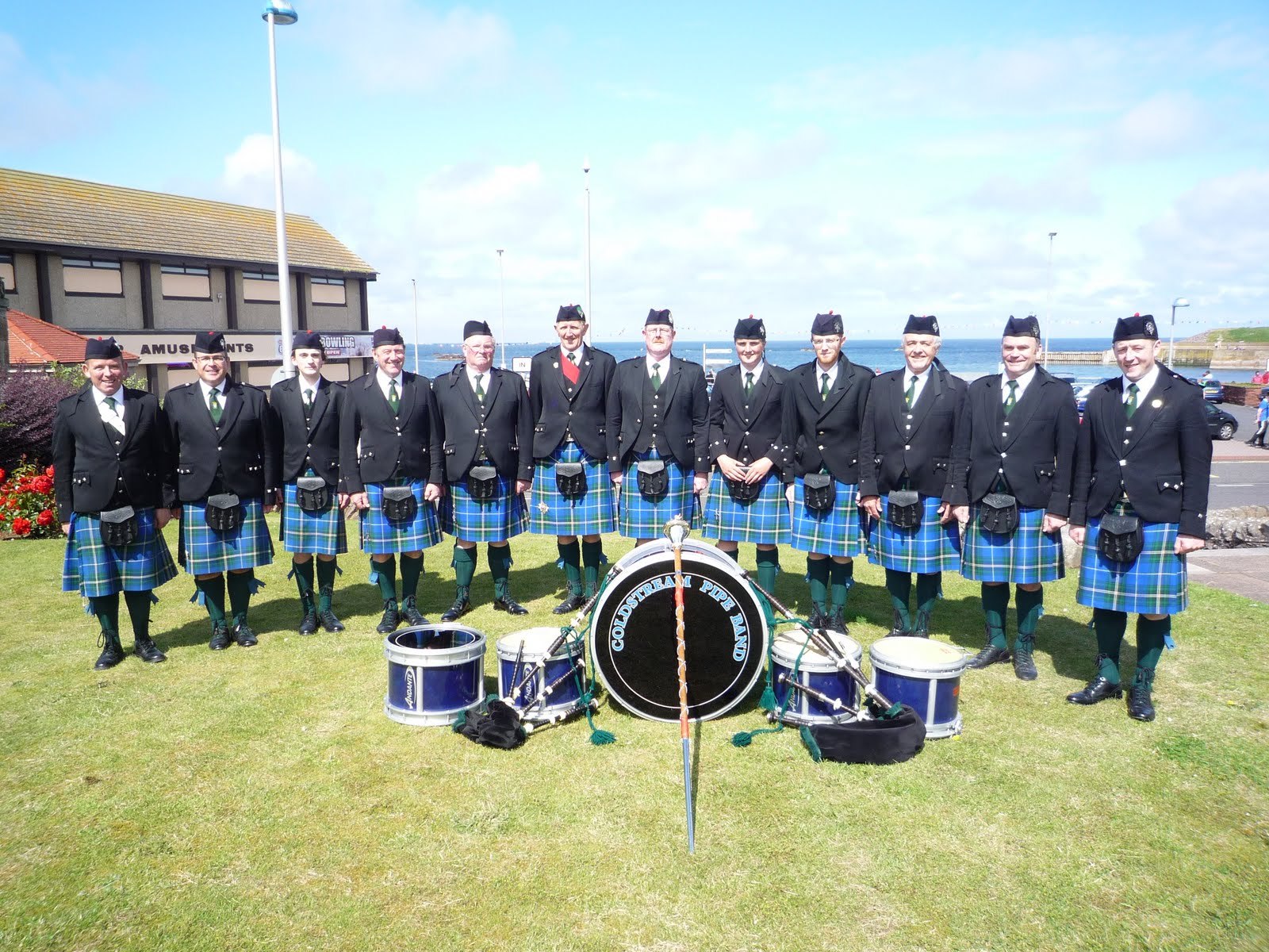 j p fell pipe band