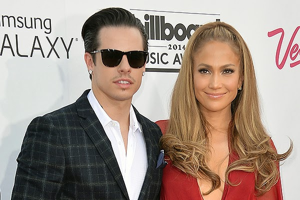 Jennifer Lopez and Casper Smart are going into a joint vacation