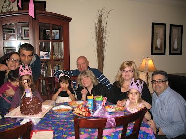 Noémi à la fête de Sophia ( mars 2011)