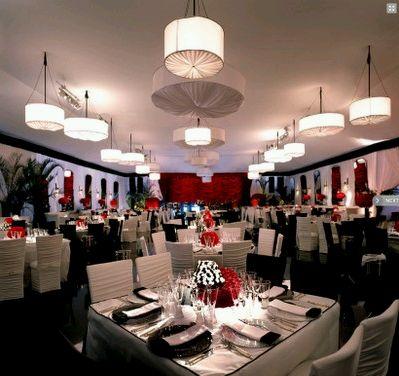 Decoracion de bodas en blanco y rojo parte 3 - Decoracion salon blanco y negro ...
