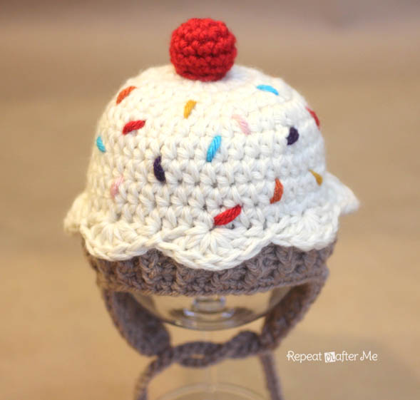 Repeat Crafter Me | FREE Cupcake Hat Pattern