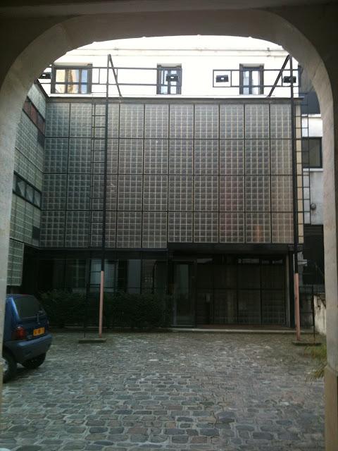 Maison de verre paris urban architecture now - Maison de verre ...