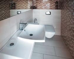 Kamar mandi yang bersih tentu bisa meningkatkan kesehatan keluarga anda