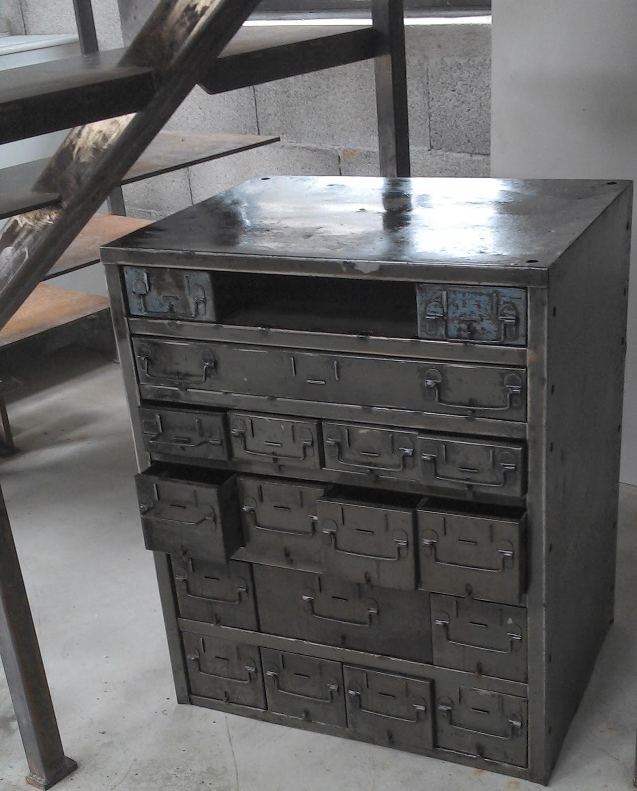 Meuble d 39 atelier a tiroir usine - Meuble loft industriel ...