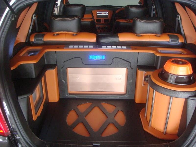 Modifikasi Audio Mobil Suzuki Aerio
