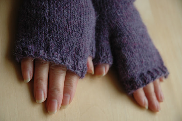 Drops Alpaca fingerless mitts