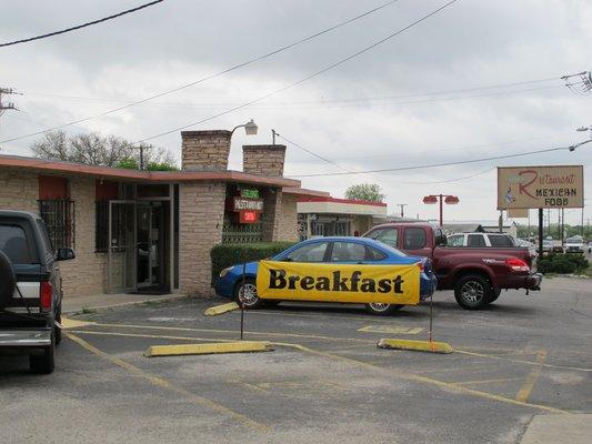 Leon S Mexican Restaurant Universal City Texas