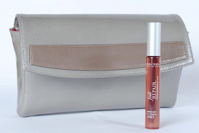 Lauren+Merkin+for+John+Frieda+Flyaway+Tamer+Clutch Lauren Merkin for John Frieda Flyaway Tamer Clutch Giveaway
