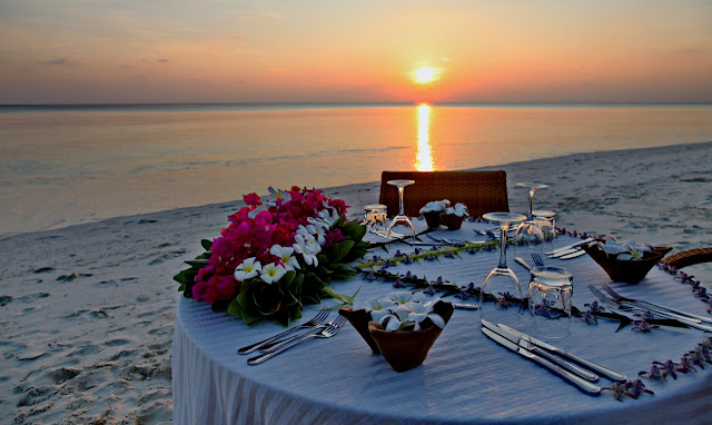 Palm Beach Resort & Spa Malediven, Romantic Dinner, JUREBU Kombireise Spezialist