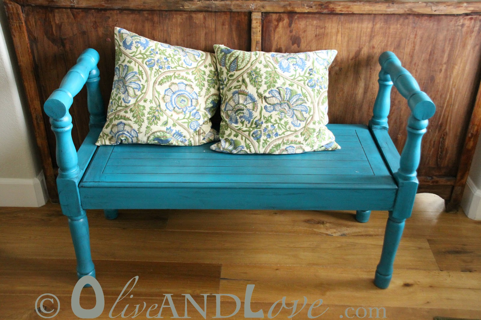 Turquoise Entry Bench. A Quick Tutorial On Spray Painting And Glazing A  Wooden Bench