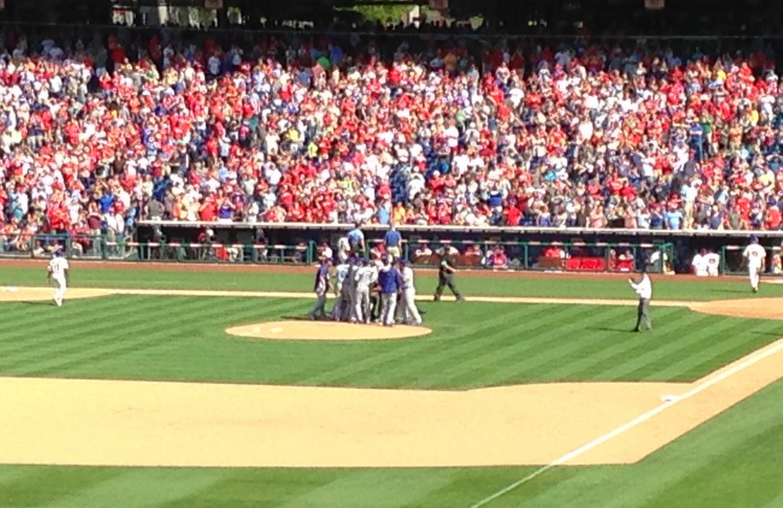 Dodgers celebrate Beckett's no-hitter.