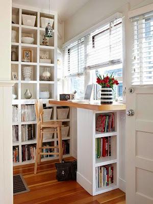 Home office em espaço pequeni