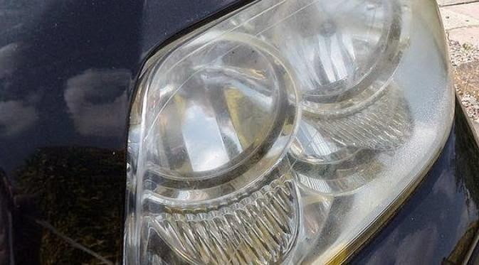 Tips dan Cara Mudah Bikin Kinclong Kaca Lampu Mobil yang Kusam