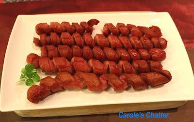 Spiral cut frankfurter sausages