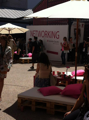 El área de networking en el Inspiration Day 2013 de Womenalia