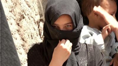 Religiosos com o apoio do Unicef impedem casamento de menina de dez anos no Afeganistão.