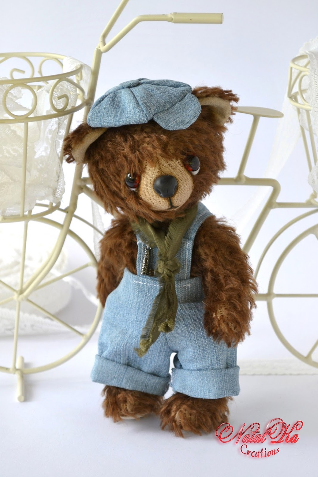 Artist teddy bear ooak handmade from mohair by NatalKa Creations. Künstlerbär Unikat handgemacht von NatalKa Creations.