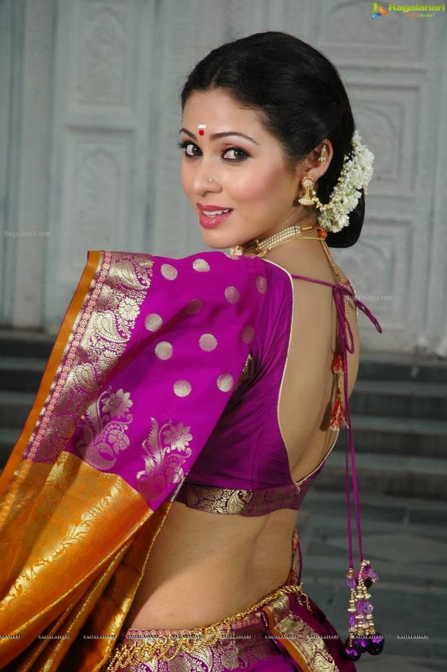 ACTRESS SATHA SILK SAREE PHOTOS