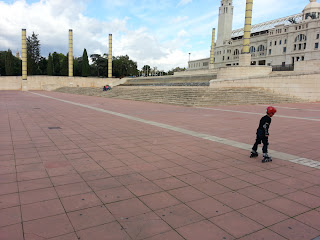 barcelonasights blog - rollerblading outside the olympic stadium