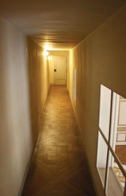 Passage en entresol entre l'appartement de la Reine et du Roi © Versailles Secret et Insolite Nicolas B. Jacquet