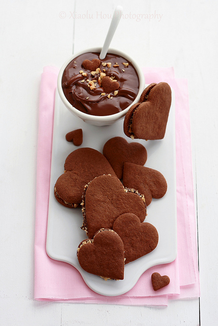 resist Nutella! More over heart shaped chocolate filled with nutella ...