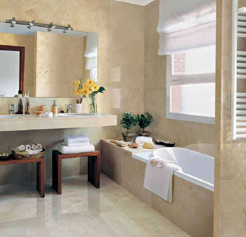 Small bathroom color ideas 2017 grasscloth wallpaper for Colourful bathroom ideas