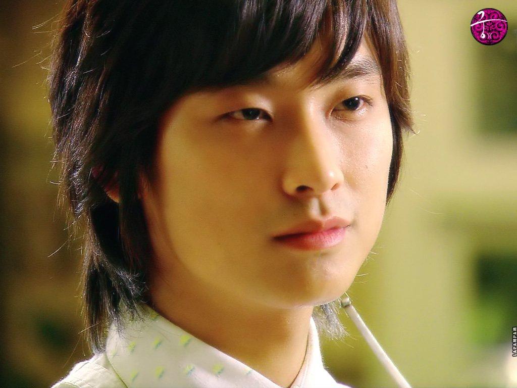 http://3.bp.blogspot.com/-uxbmsNLS51Y/ThSI2QHpHSI/AAAAAAAAAOs/zJ7twDooo3I/s1600/Joo_Ji_Hoon_050065.jpg