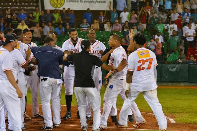 Los Gigantes del Cibao ganaron su cuarto juego al hilo, con su victoria por 8-6, el jueves, ante las Águilas Cibaeñas.