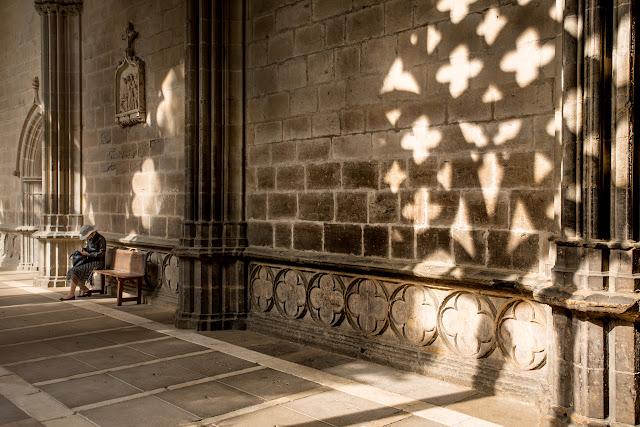 Uno de los mejores claustros góticos de Europa :: Canon EOS5D MkIII | ISO100 | Canon 24-105@35mm | f/5.6 | 1/50s