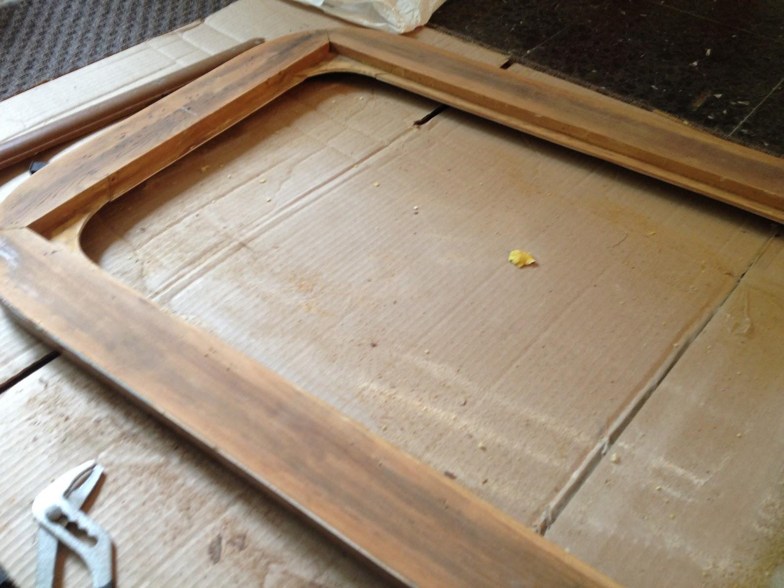 r novation d 39 un miroir en cours mes r novations de meubles en bois. Black Bedroom Furniture Sets. Home Design Ideas