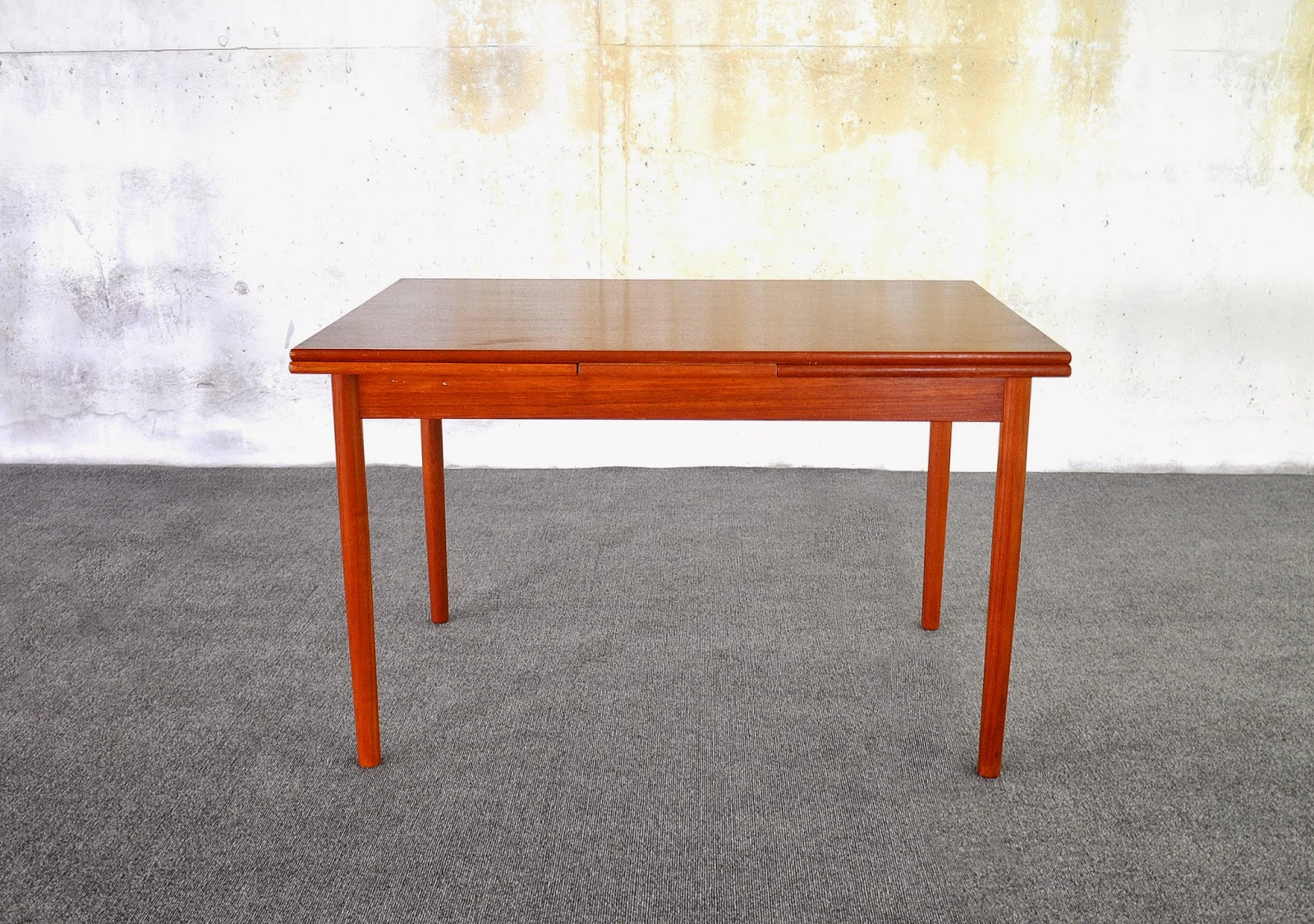Select modern danish modern teak expandable dining room table for Danish modern dining room table