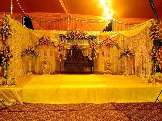 Mehndi Stage Background : Fashion of life style mehndi stage decoration