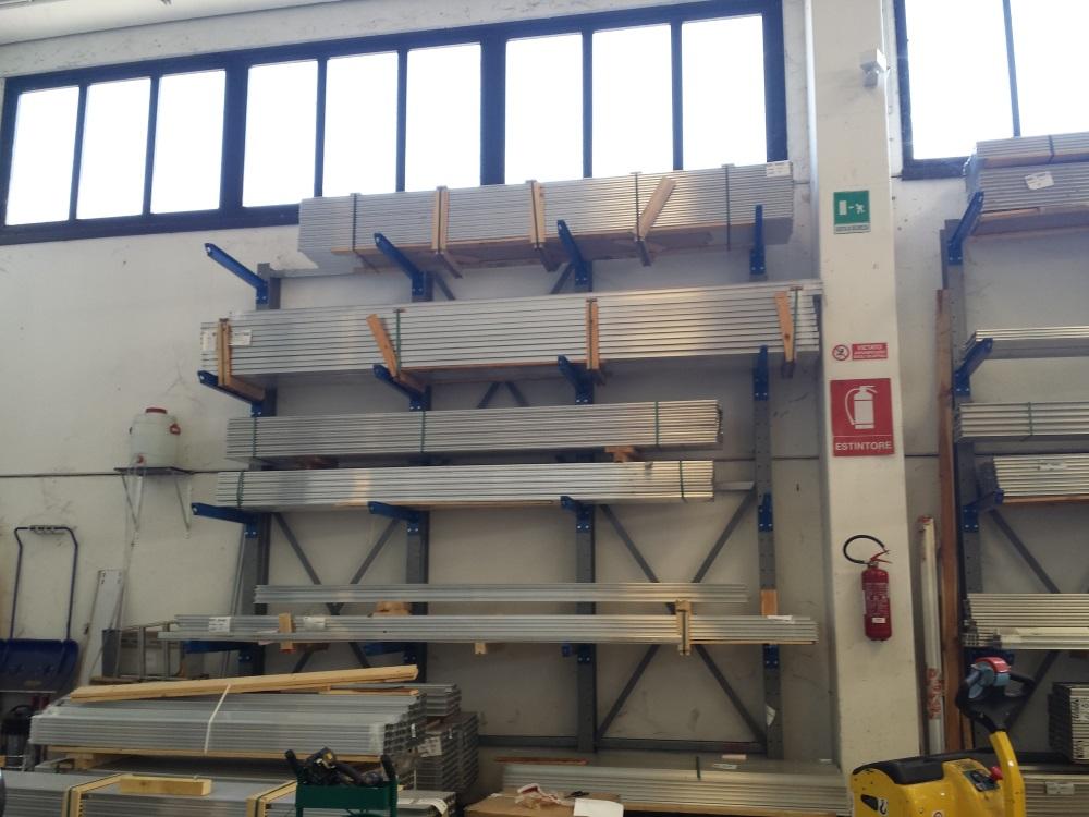 Tuttoscaffali scaffalature industriali arredi metallici