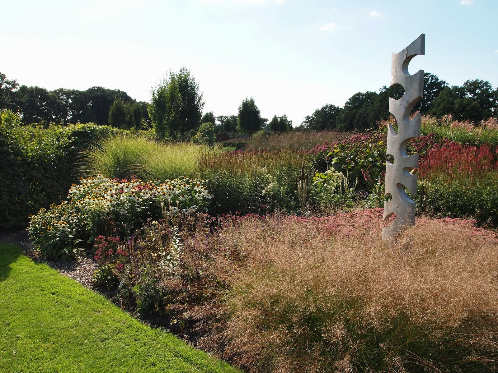 Inspirational gardens in london england and around the for Garden design east sussex