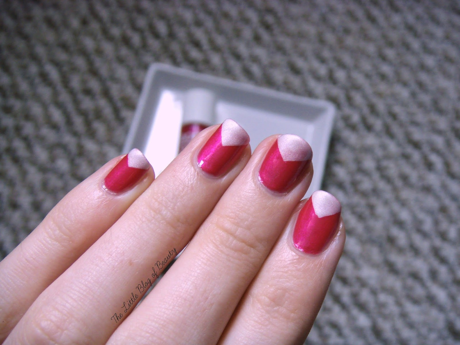 Nail art - Triangle tips