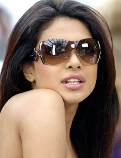 Priyanka Chopra hot wallpapers
