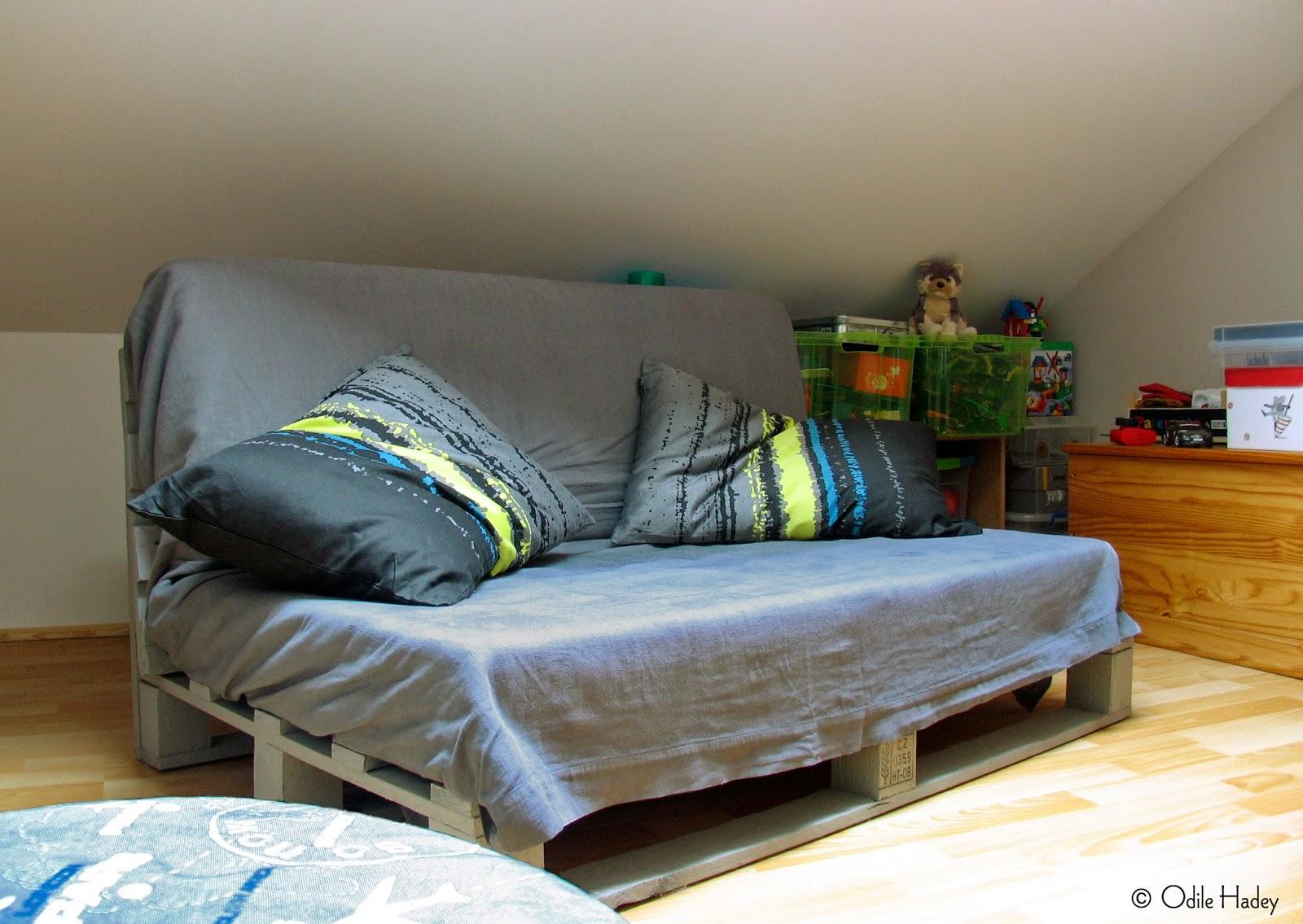Ma chambre claire un canap palette pour une chambre d - Canape pour chambre ado ...