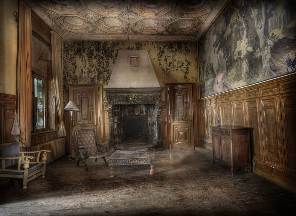 Vermont dead line hauntingly beautiul abandoned mansion s for Homes by andre